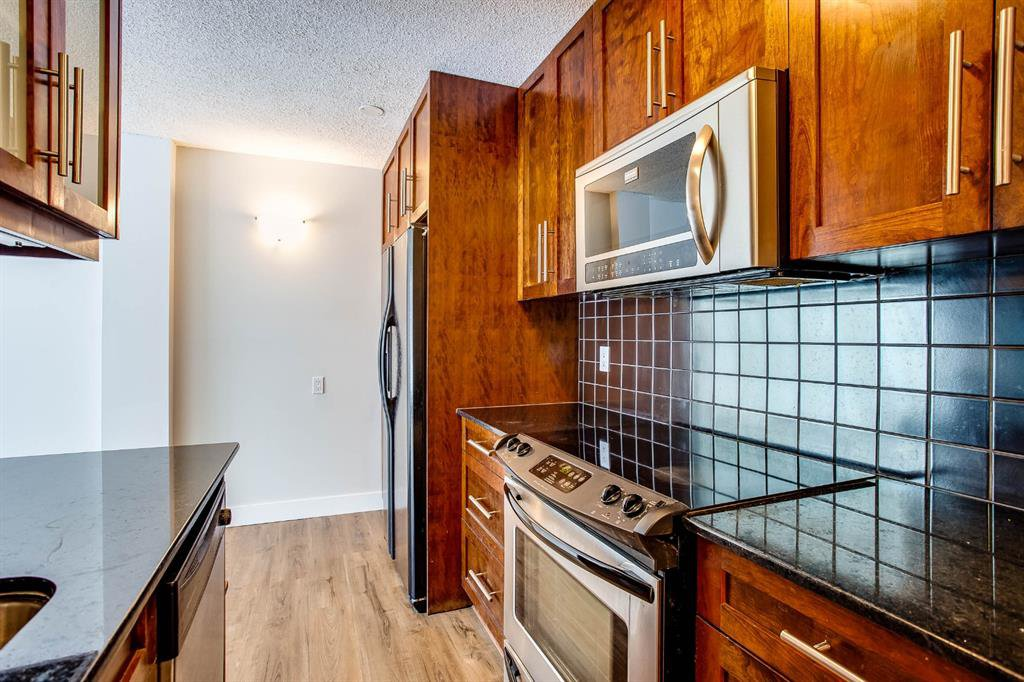 Main Photo: 2220 16a Street SW in Calgary: Bankview Apartment for sale : MLS®# A1043749