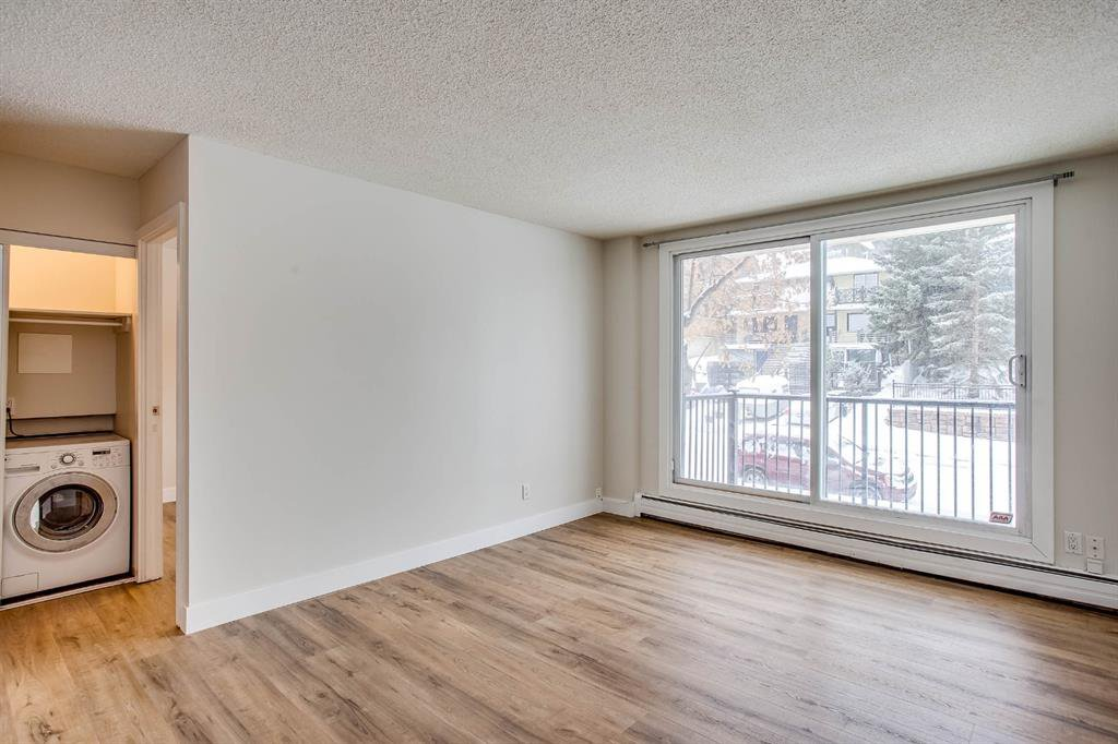 Photo 6: Photos: 202 2220 16a Street SW in Calgary: Bankview Apartment for sale : MLS®# A1043749