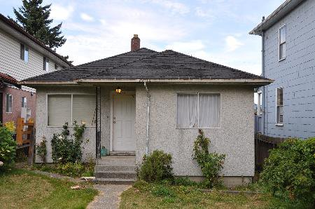 Main Photo: 1343 E.18TH AV in Vancouver: House for sale (Knight)  : MLS®# V906695