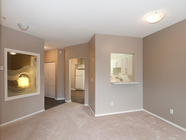 "Photo 3: Photos: 122 5888 DOVER Crescent in Richmond: Riverdale RI Condo for sale in ""PELICAN POINTE"" : MLS®# V940767"