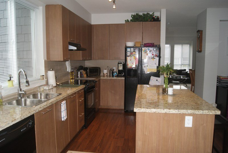 """Photo 6: Photos: 27 2418 AVON Place in Port Coquitlam: Riverwood Townhouse for sale in """"LINKS"""" : MLS®# V955179"""