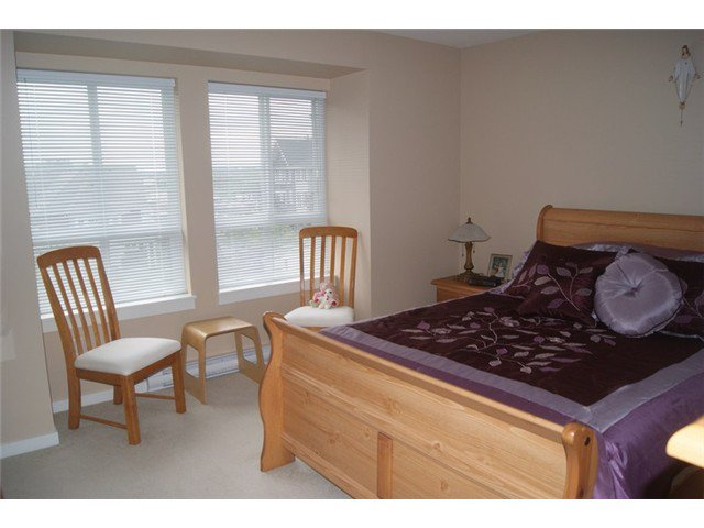 """Photo 12: Photos: 27 2418 AVON Place in Port Coquitlam: Riverwood Townhouse for sale in """"LINKS"""" : MLS®# V955179"""