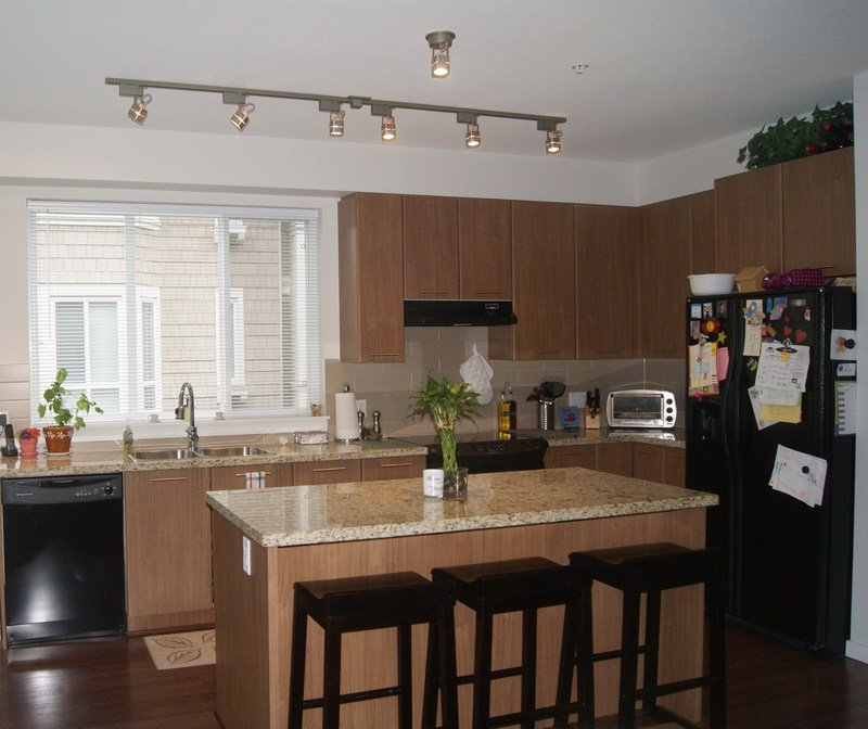"""Photo 5: Photos: 27 2418 AVON Place in Port Coquitlam: Riverwood Townhouse for sale in """"LINKS"""" : MLS®# V955179"""