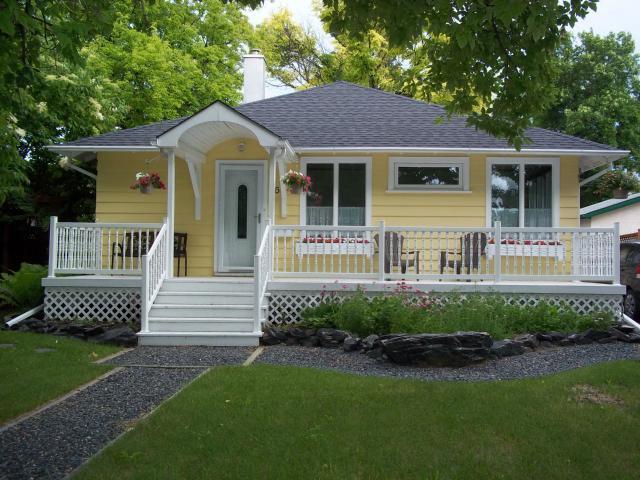 Main Photo: 36 West Fernwood Avenue in WINNIPEG: St Vital Residential for sale (South East Winnipeg)  : MLS®# 1313725