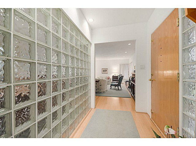 Photo 7: Photos: 4925 Queensland Road in Vancouver: University VW House  (Vancouver West)  : MLS®# V1108108