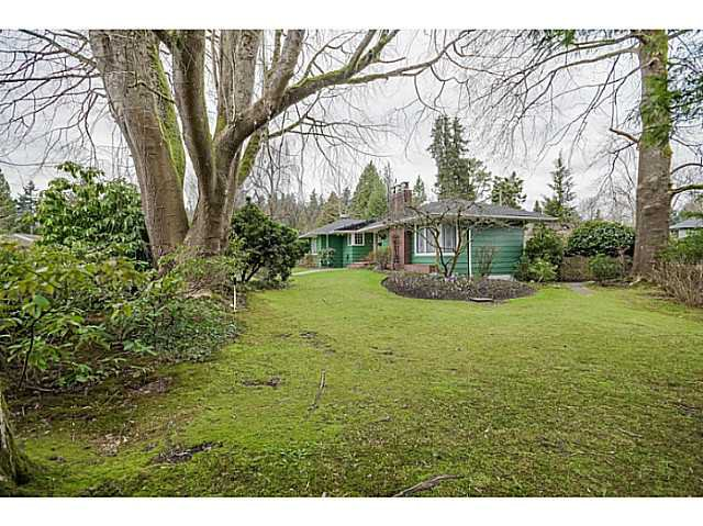 Photo 2: Photos: 4925 Queensland Road in Vancouver: University VW House  (Vancouver West)  : MLS®# V1108108