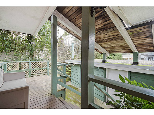 Photo 5: Photos: 4925 Queensland Road in Vancouver: University VW House  (Vancouver West)  : MLS®# V1108108