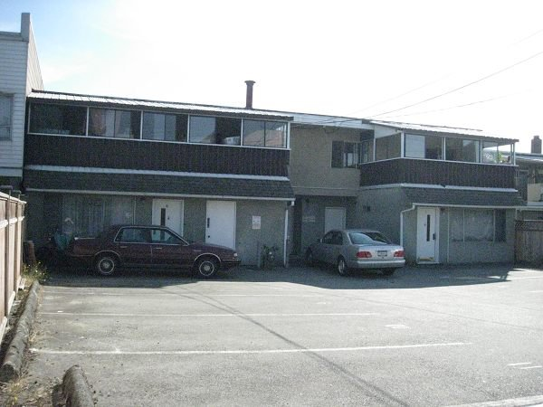 Photo 3: Photos: 1255 Kingsway in Vancouver: Home for sale