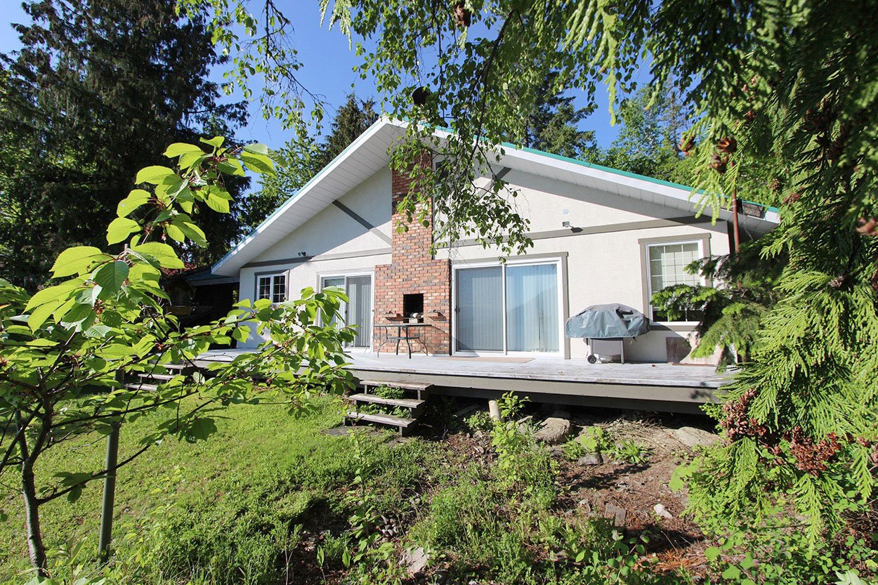 Photo 2: Photos: 4873 Parker Road: Eagle Bay House for sale (South Shuswap)  : MLS®# 10184546