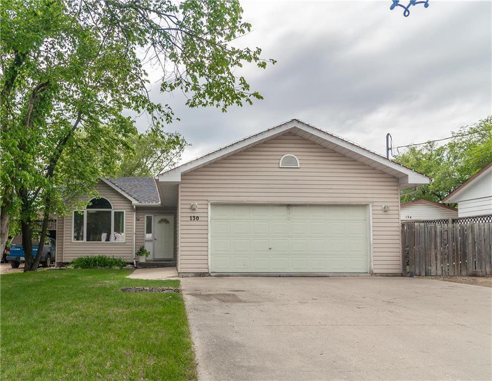 Main Photo: 130 HOME Street in Steinbach: Elmdale Residential for sale (R16)  : MLS®# 202013025