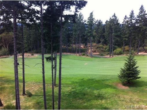 Main Photo: 319 1400 Lynburne Pl in VICTORIA: La Bear Mountain Condo for sale (Langford)  : MLS®# 648989