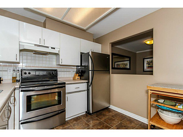 Main Photo: # 303 2357 WHYTE AV in Port Coquitlam: Central Pt Coquitlam Condo for sale : MLS®# V1123939
