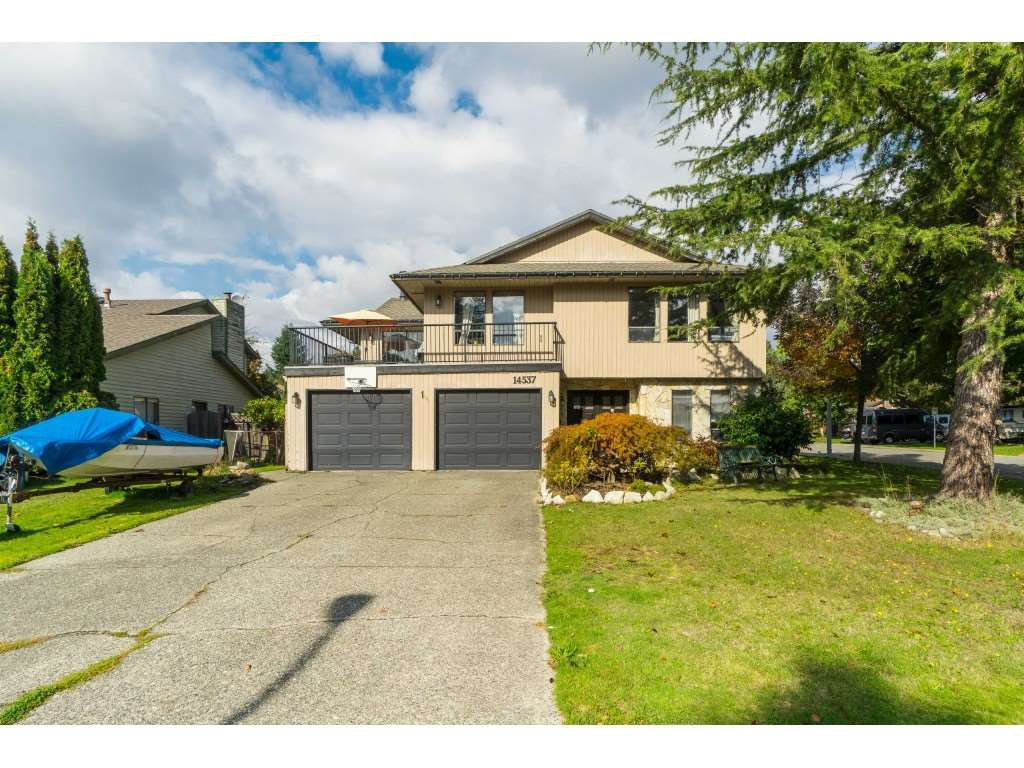 """Main Photo: 14537 90 Avenue in Surrey: Bear Creek Green Timbers House for sale in """"GREEN TIMBER AREA"""" : MLS®# R2411242"""