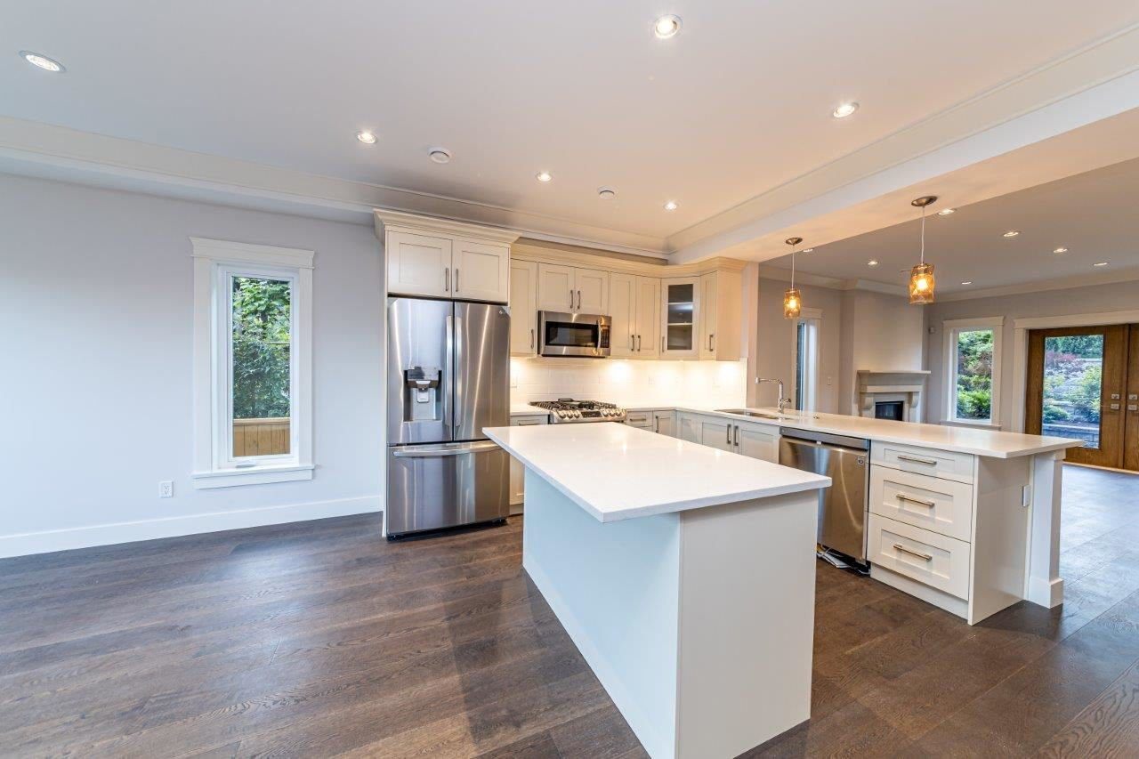 Photo 14: Photos: 543 E 4TH Street in North Vancouver: Lower Lonsdale House 1/2 Duplex for sale : MLS®# R2453996