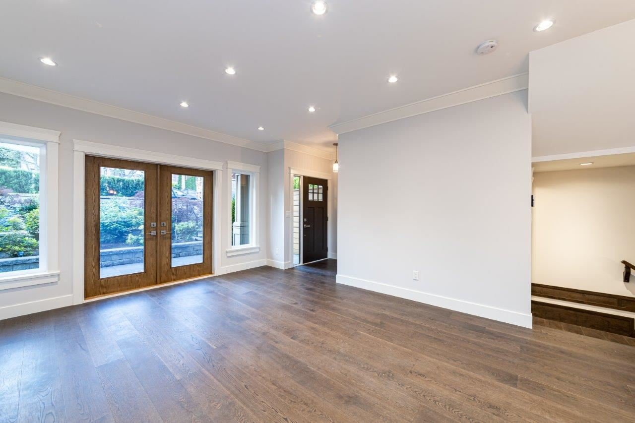 Photo 23: Photos: 543 E 4TH Street in North Vancouver: Lower Lonsdale House 1/2 Duplex for sale : MLS®# R2453996