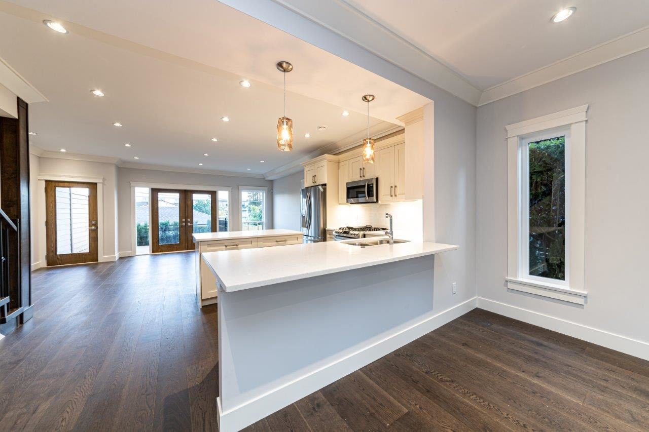 Photo 19: Photos: 543 E 4TH Street in North Vancouver: Lower Lonsdale House 1/2 Duplex for sale : MLS®# R2453996