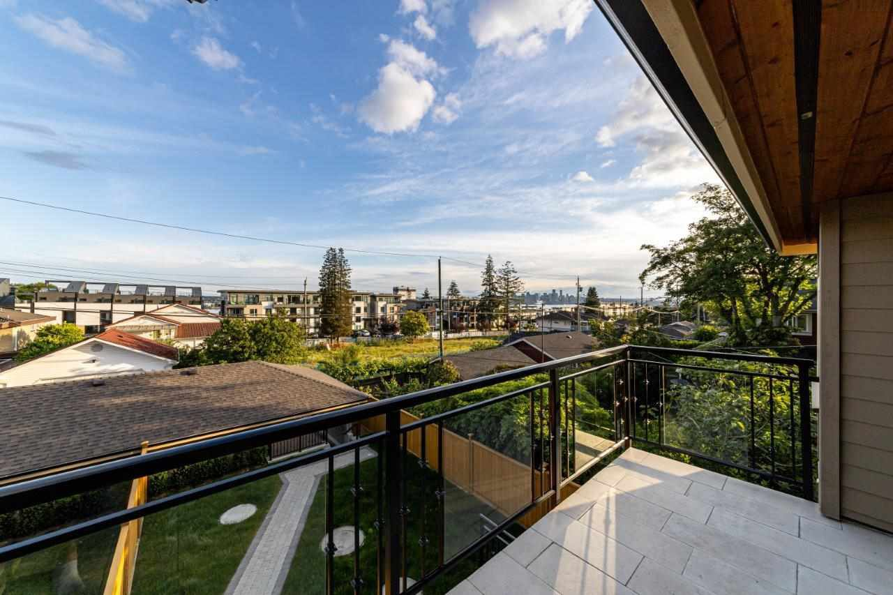 Photo 28: Photos: 543 E 4TH Street in North Vancouver: Lower Lonsdale House 1/2 Duplex for sale : MLS®# R2453996