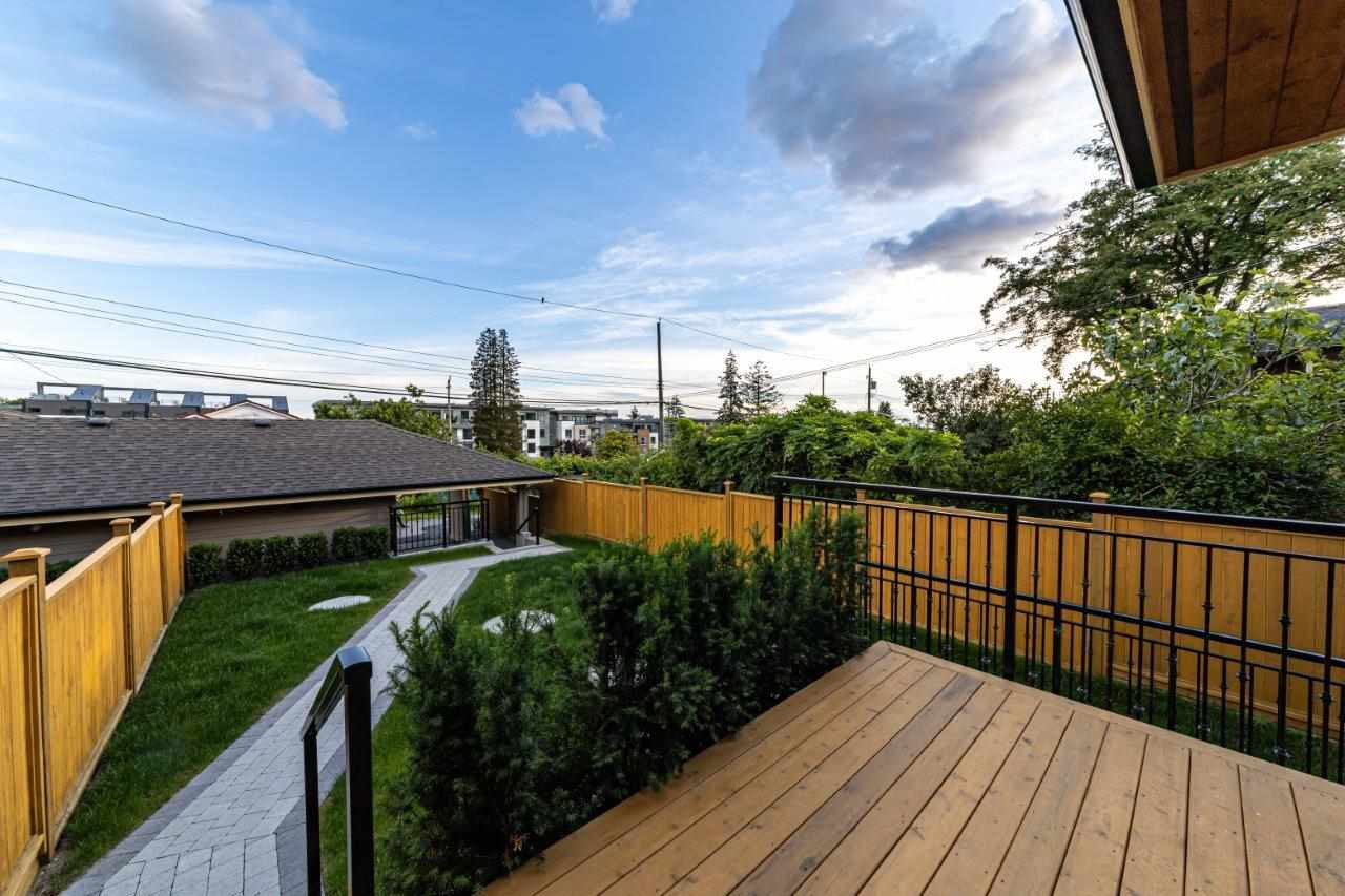 Photo 36: Photos: 543 E 4TH Street in North Vancouver: Lower Lonsdale House 1/2 Duplex for sale : MLS®# R2453996