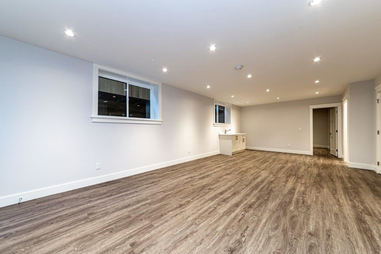 Photo 34: Photos: 543 E 4TH Street in North Vancouver: Lower Lonsdale House 1/2 Duplex for sale : MLS®# R2453996