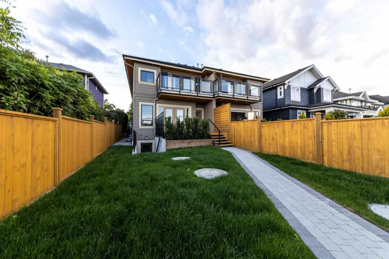 Photo 38: Photos: 543 E 4TH Street in North Vancouver: Lower Lonsdale House 1/2 Duplex for sale : MLS®# R2453996