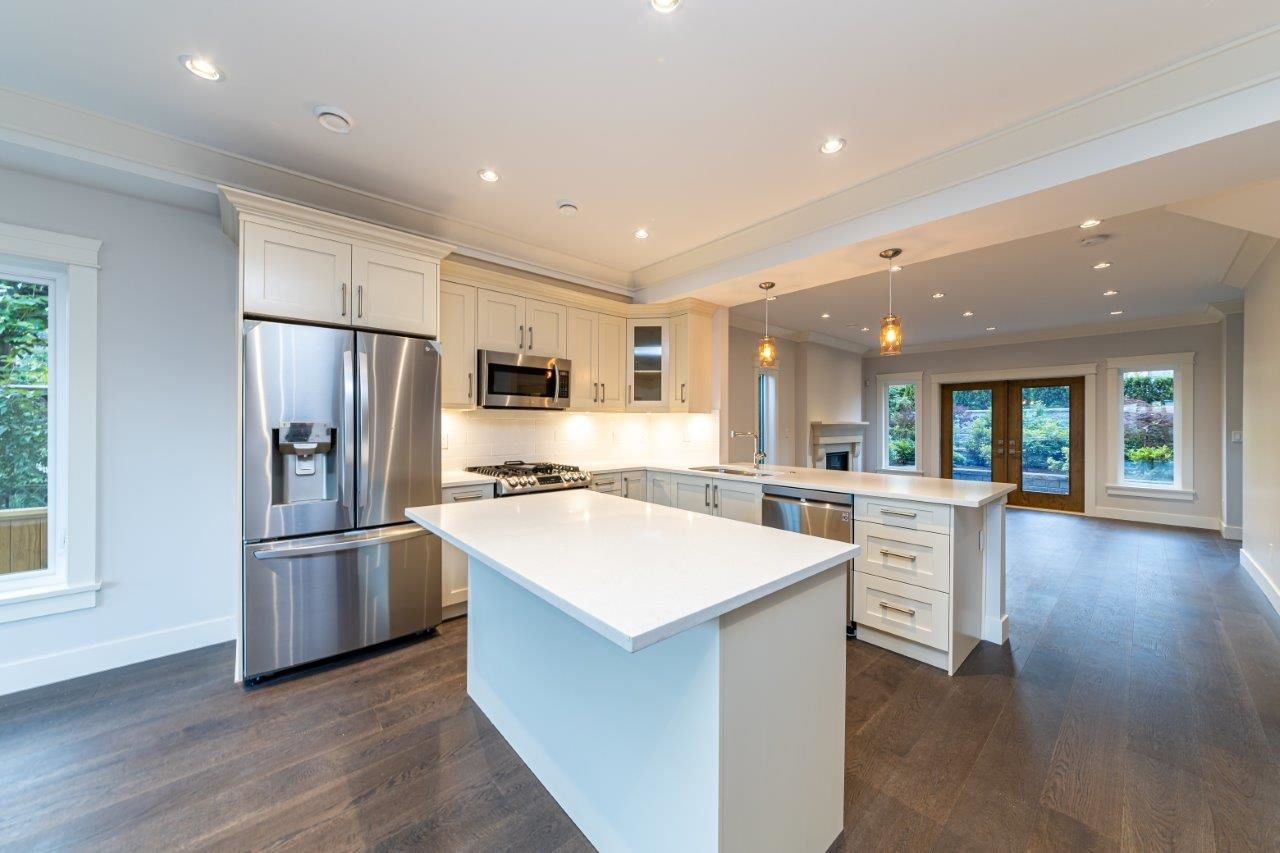 Photo 16: Photos: 543 E 4TH Street in North Vancouver: Lower Lonsdale House 1/2 Duplex for sale : MLS®# R2453996