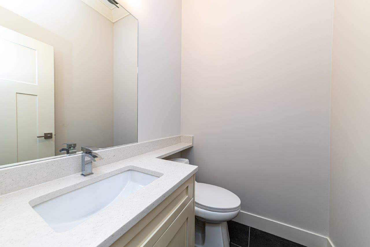 Photo 25: Photos: 543 E 4TH Street in North Vancouver: Lower Lonsdale House 1/2 Duplex for sale : MLS®# R2453996