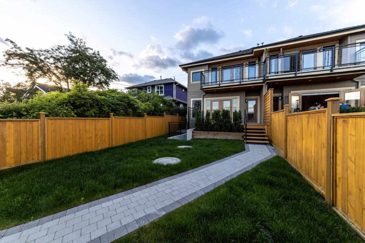 Photo 37: Photos: 543 E 4TH Street in North Vancouver: Lower Lonsdale House 1/2 Duplex for sale : MLS®# R2453996