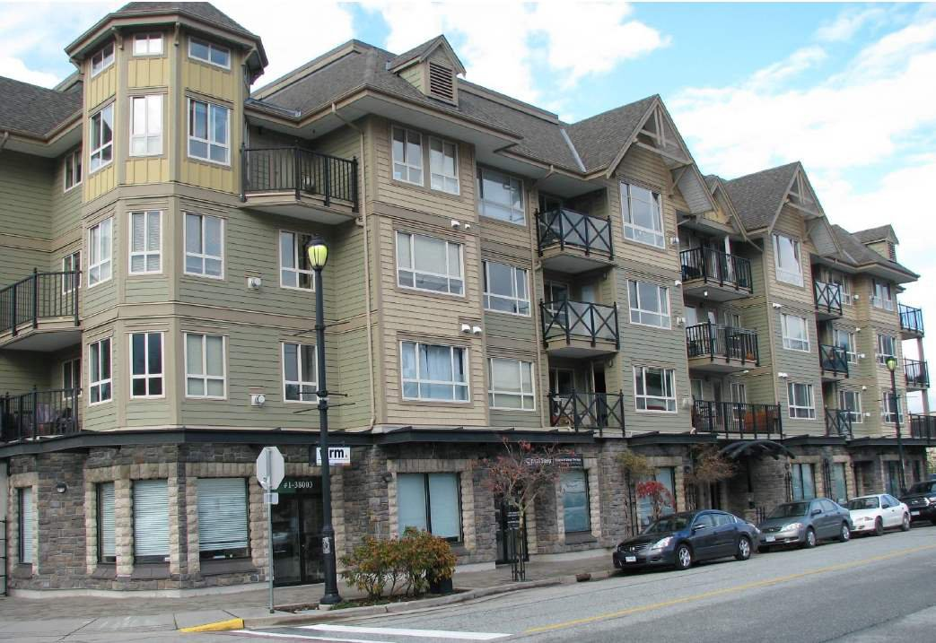 "Main Photo: 103 38003 SECOND Avenue in Squamish: Downtown SQ Condo for sale in ""Squamish Pointe"" : MLS®# R2520650"
