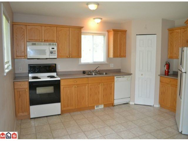 Photo 2: Photos: 458 3RD Avenue in Hope: Hope Center House for sale : MLS®# H1202242