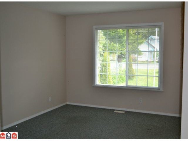 Photo 4: Photos: 458 3RD Avenue in Hope: Hope Center House for sale : MLS®# H1202242