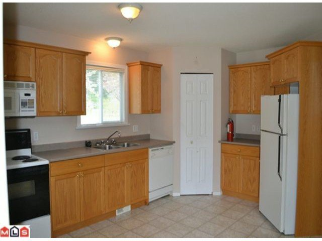 Photo 3: Photos: 458 3RD Avenue in Hope: Hope Center House for sale : MLS®# H1202242