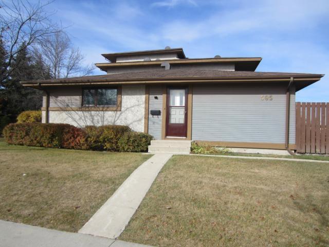 Main Photo: 595 Adsum Drive in WINNIPEG: Maples / Tyndall Park Condominium for sale (North West Winnipeg)  : MLS®# 1220839