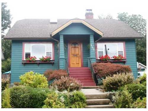 Main Photo: 212 7TH Ave in New Westminster: GlenBrooke North Home for sale ()  : MLS®# V851130