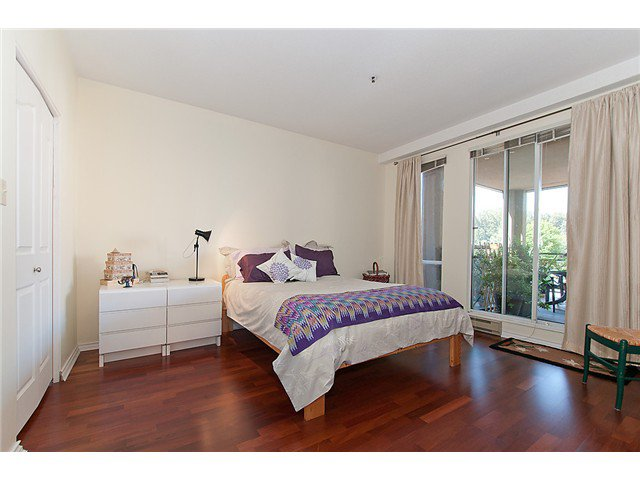 """Photo 11: Photos: # 204 2 RENAISSANCE SQ in New Westminster: Quay Condo for sale in """"THE LIDO"""" : MLS®# V1018101"""