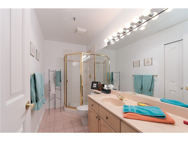 """Photo 14: Photos: # 204 2 RENAISSANCE SQ in New Westminster: Quay Condo for sale in """"THE LIDO"""" : MLS®# V1018101"""