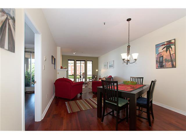 """Photo 6: Photos: # 204 2 RENAISSANCE SQ in New Westminster: Quay Condo for sale in """"THE LIDO"""" : MLS®# V1018101"""