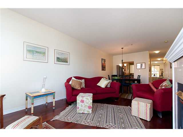 """Photo 5: Photos: # 204 2 RENAISSANCE SQ in New Westminster: Quay Condo for sale in """"THE LIDO"""" : MLS®# V1018101"""
