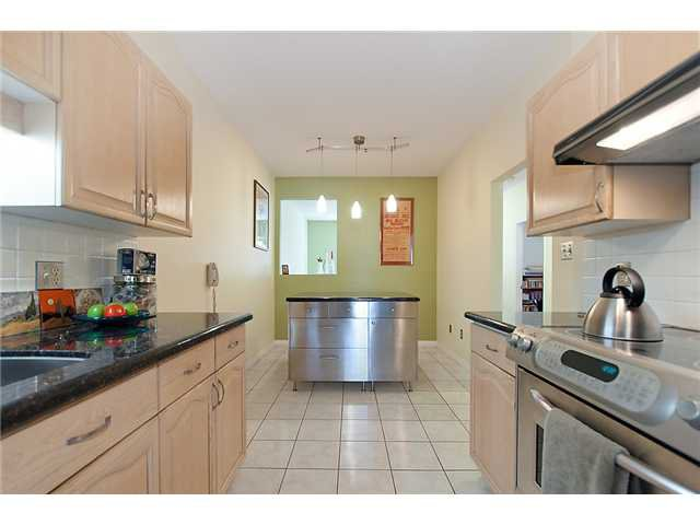 """Photo 9: Photos: # 204 2 RENAISSANCE SQ in New Westminster: Quay Condo for sale in """"THE LIDO"""" : MLS®# V1018101"""