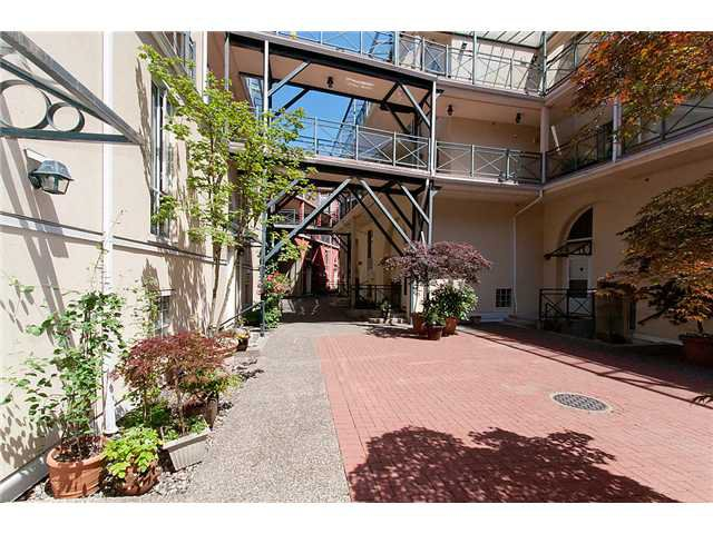 """Photo 2: Photos: # 204 2 RENAISSANCE SQ in New Westminster: Quay Condo for sale in """"THE LIDO"""" : MLS®# V1018101"""