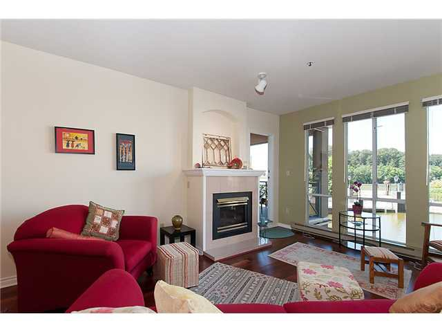"""Photo 3: Photos: # 204 2 RENAISSANCE SQ in New Westminster: Quay Condo for sale in """"THE LIDO"""" : MLS®# V1018101"""