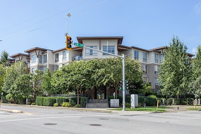 Main Photo: 407 15988 26 AVENUE in Surrey: Grandview Surrey Condo for sale (South Surrey White Rock)  : MLS®# R2098008