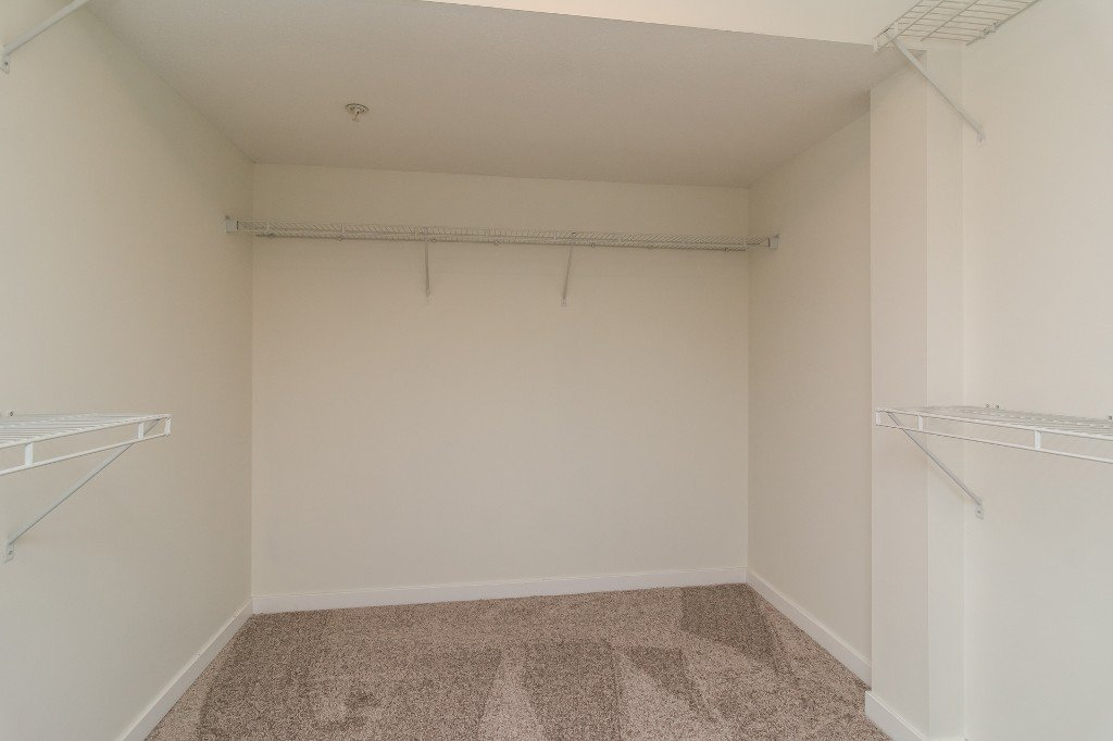 Photo 13: Photos: 202-2038 Sandalwood Cres in Abbotsford: Central Abbotsford Condo for rent