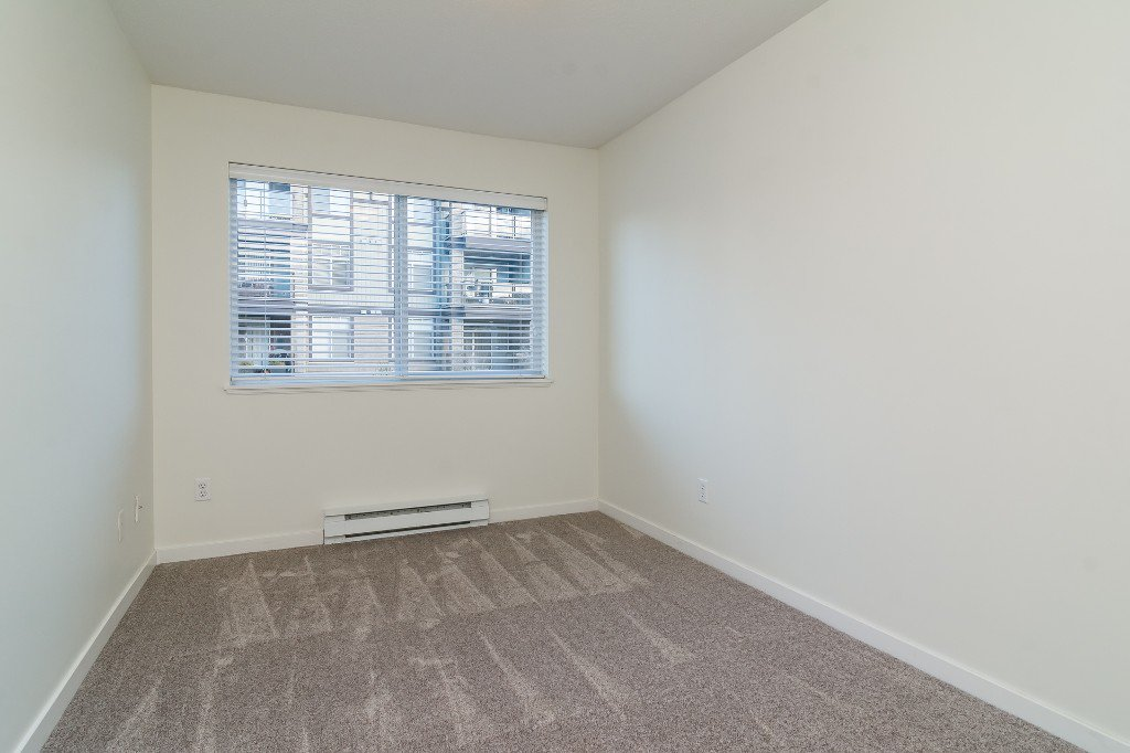Photo 15: Photos: 202-2038 Sandalwood Cres in Abbotsford: Central Abbotsford Condo for rent