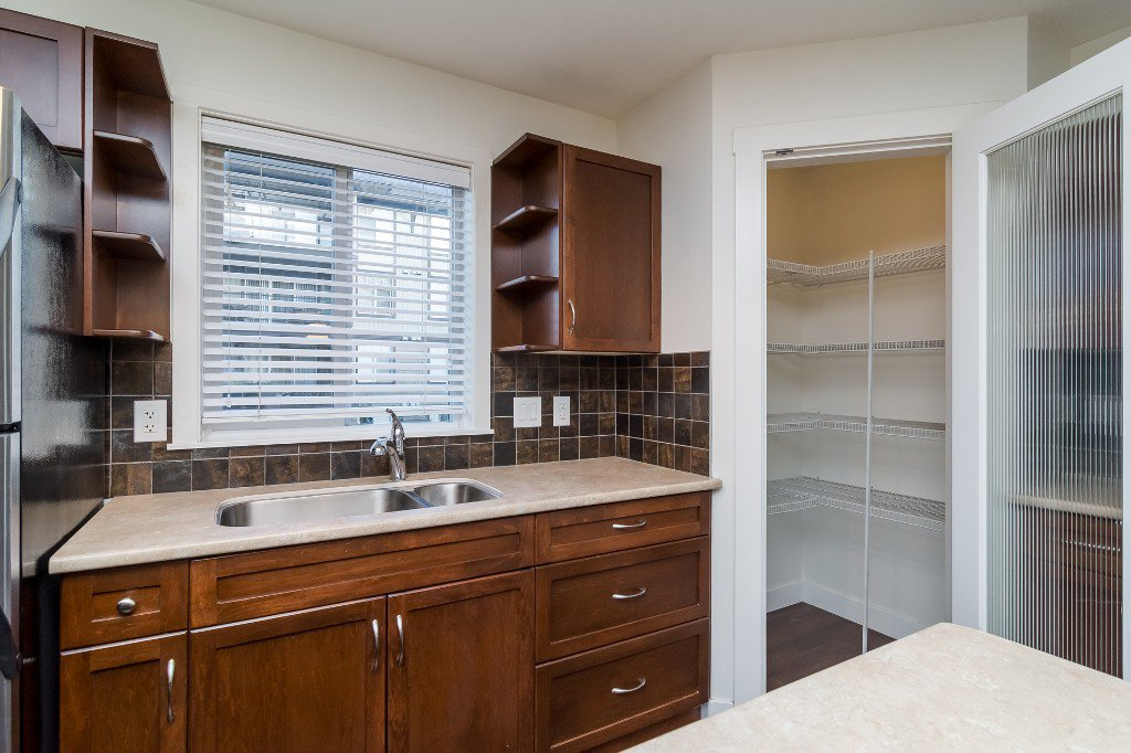 Photo 10: Photos: 202-2038 Sandalwood Cres in Abbotsford: Central Abbotsford Condo for rent