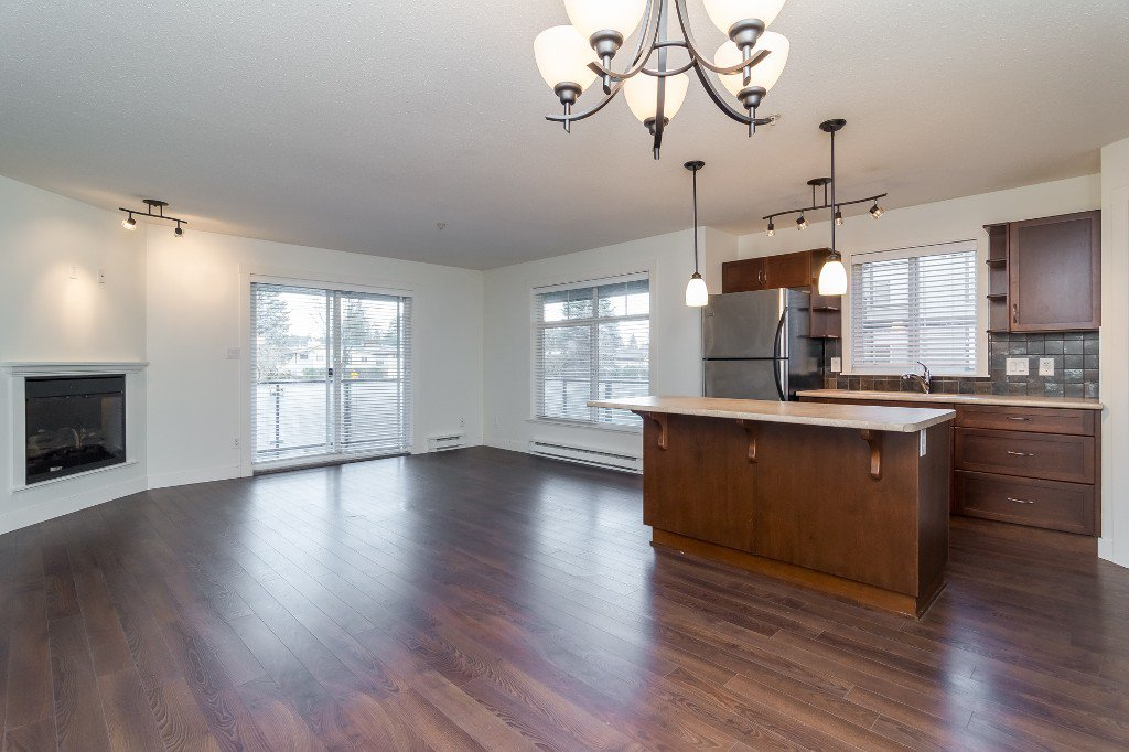 Photo 6: Photos: 202-2038 Sandalwood Cres in Abbotsford: Central Abbotsford Condo for rent