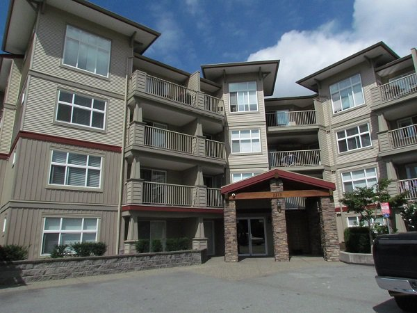 Main Photo: #405 2515 Park Dr. in Abbotsford: Central Abbotsford Condo for rent