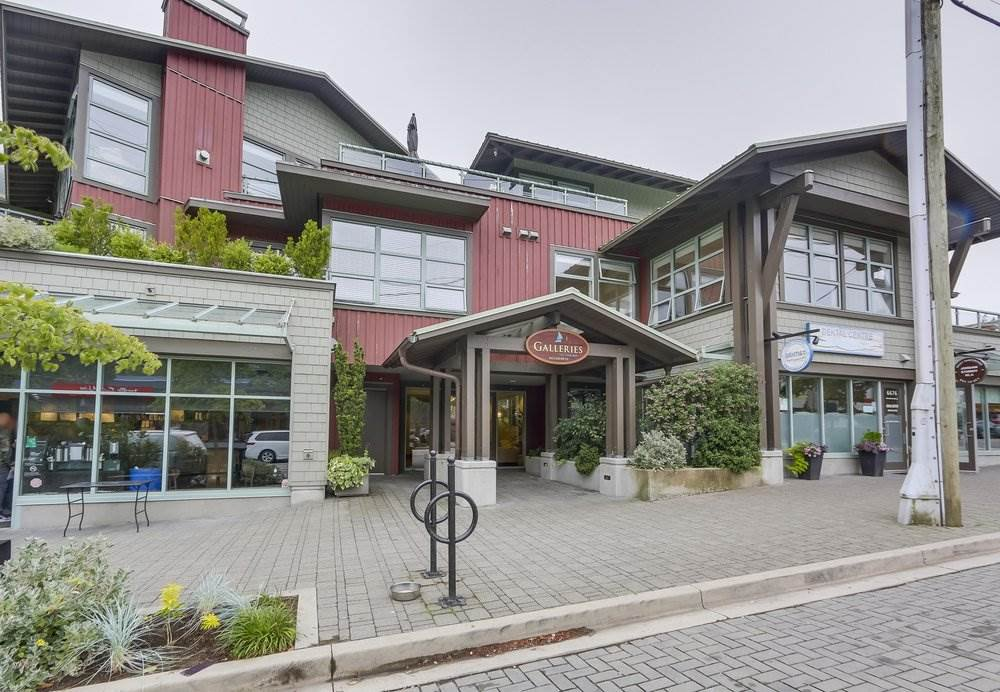 "Main Photo: 206 6688 ROYAL Avenue in West Vancouver: Horseshoe Bay WV Condo for sale in ""Galleries on the Bay"" : MLS®# R2410862"
