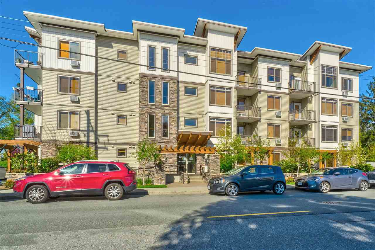 "Main Photo: 401 11887 BURNETT Street in Maple Ridge: East Central Condo for sale in ""WELLINGTON STATION"" : MLS®# R2420542"