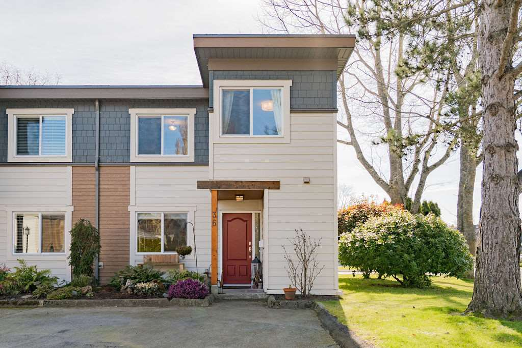 "Main Photo: 36 3151 SPRINGFIELD Drive in Richmond: Steveston North Townhouse for sale in ""Springfield Greene"" : MLS®# R2453195"