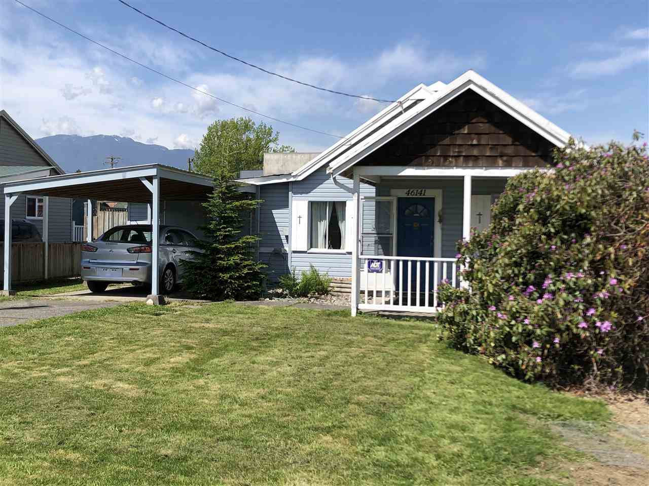 Main Photo: 46141 NORRISH AVENUE in : Chilliwack E Young-Yale House for sale : MLS®# R2361678